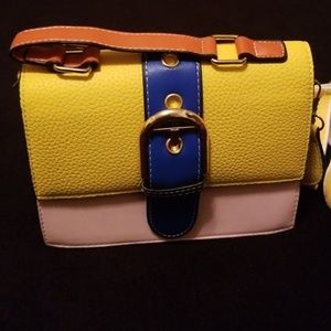 Handbags - **sold** Super cute crossbody purse
